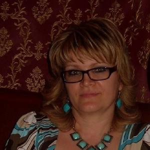 50jährige Brillenträgerin
